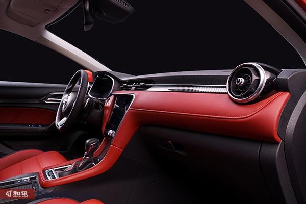 高颜值的年轻时尚车型 静态体验上汽全新名爵6