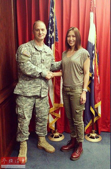 (创意台词)欢迎克里斯蒂娜同学加入美利坚合众国武装力量。