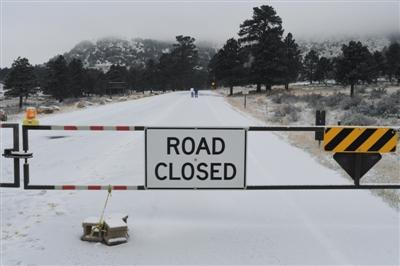 2018年12月27日,受到当局停摆影响,通去落基山国家公园的收费站被迫关闭。图/视觉中国