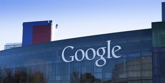 新浪科技讯 北京时间2月5日消息,谷歌母公司Alphabet今日发布了2018财年第四季度业绩。业绩公布之后,谷歌CEO桑达尔・皮查伊(Sundar Pichai)和CFO鲁斯・波拉特(Ruth Porat)召开了分析师电话会议,回答了相关业务的问题。