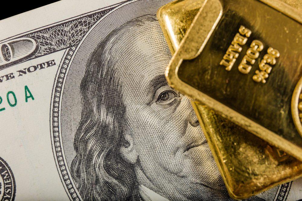 自2011年创下1900历史高位以来,黄金大幅走低。近年来,黄金处于横盘震荡走势之中,市场再次关注1350阻力水平。