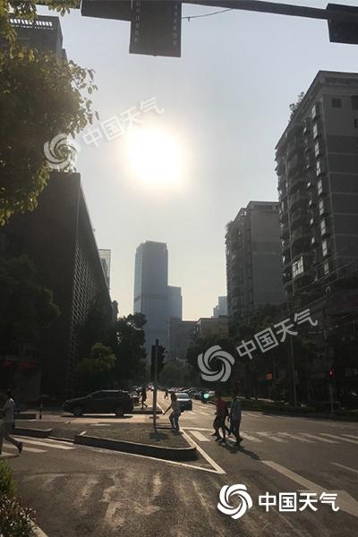 明起重庆将迎36℃高温天 需加强防范森林火险