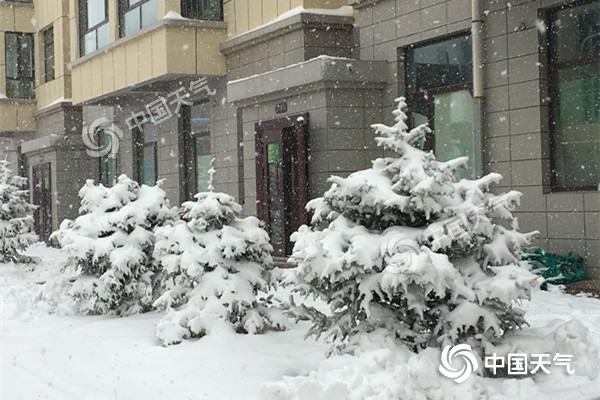内蒙古多地降暴雪 局地气温狂跌21℃!