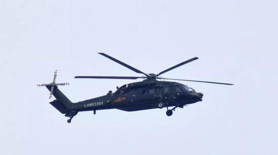 而且,最重要的是直-20是我国完全独立国产的直升机,所有零件都不会受制于人,而且该机从研制之初就参考了美制S-70的设计,具备优越的高原性能,是可以飞青藏高原的少数直升机之一。所以,根据所有上述因素考虑,至少目前来看,直-15短期内没有可能进入中国军队服役。当然,由于该机机舱宽大,且乘坐舒适性不错,所以采购几架作为要人专机的可能性还是存在的,毕竟我国现在比较缺乏这种专用直升机。