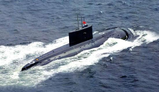 中国购买了大量基洛级潜艇,但是配件买的极少,没几年就通盘国产