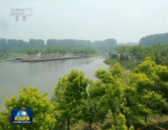 像这样的城市森林,北京已先后建起了近30处。而位于五环六环的平原地区,郊野公园也在抓紧打造。这个新建成不久的东郊森林公园,总面积达到60平方公里。