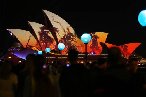 对冲风险 澳大利亚央行近三年来首次降息