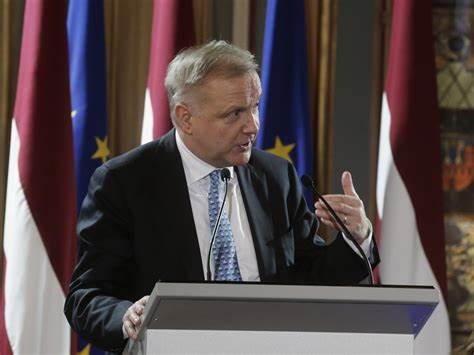 欧洲央行官员Rehn:欧元区经济放缓不再是暂时的
