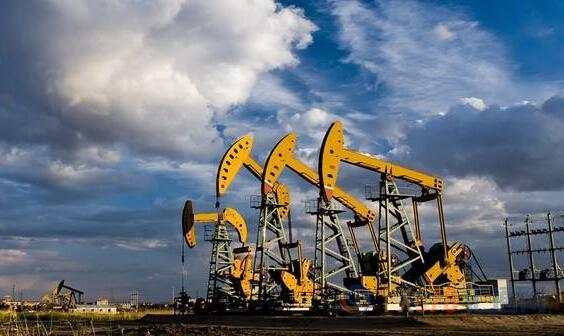 地缘风险与经济忧虑角力 美油冲高回落56关口得复失