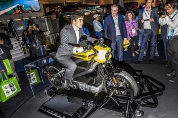 哈雷暂停生产电动摩托车