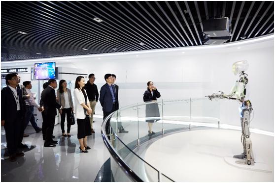 """""""中国太保—科沃斯商用机器人联合实验室""""正式揭牌,共建保险服务机器人应用体系"""