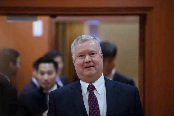 12月16日,美国朝鲜题目稀奇代外斯蒂芬·比根在首尔。(新华社/法新社)