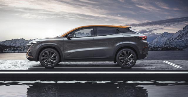 """搭载L3级别自动驾驶 长安汽车""""引力""""产品序列首款车型UNI-T发布"""