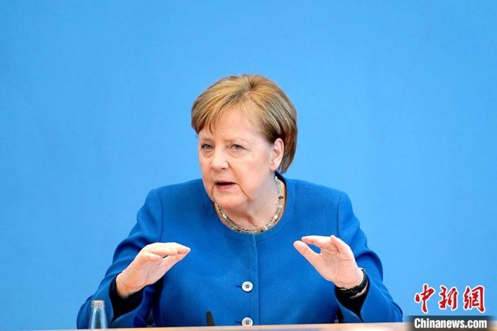 默克尔:新冠病毒使欧盟面临成立以来最大的考验