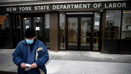 研究称美国2/3疫情期间失业工人所获救济金超过工资