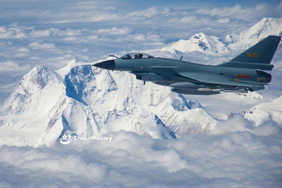 """美媒关注中国战机""""狗斗""""视频 展现出空战的""""激情和趣味"""""""