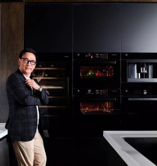 """V-ZUG瑞族""""瑞一族""""代表 国际著名建筑、室内及产品设计师梁志天"""