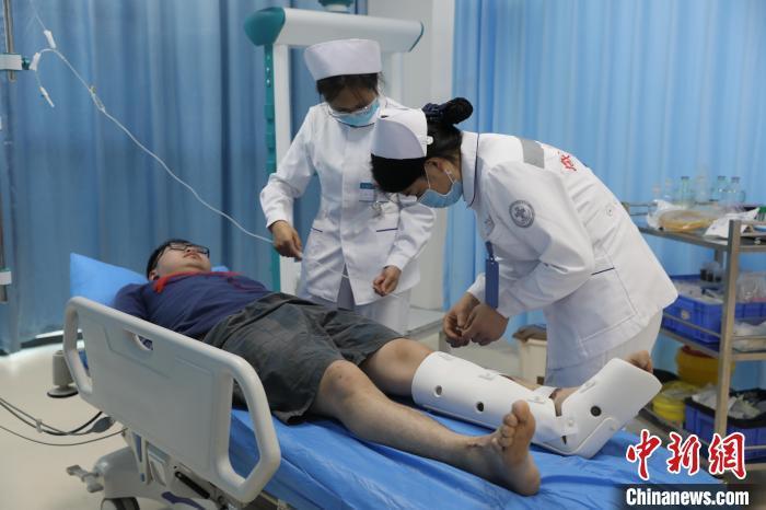 四川绵阳平武泥石流中4名伤者通过直升机转移送医 已无生命危险