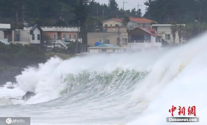 """台风""""美莎克""""过境韩国致1死 800余处设施受损"""