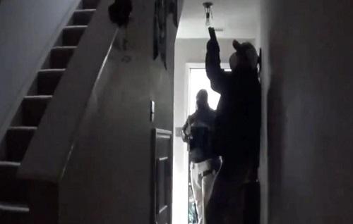 野兽:新冠病毒疫情女吹哨人家遭持枪警察冲入 疑自行发表新冠病毒数据遭当局调查