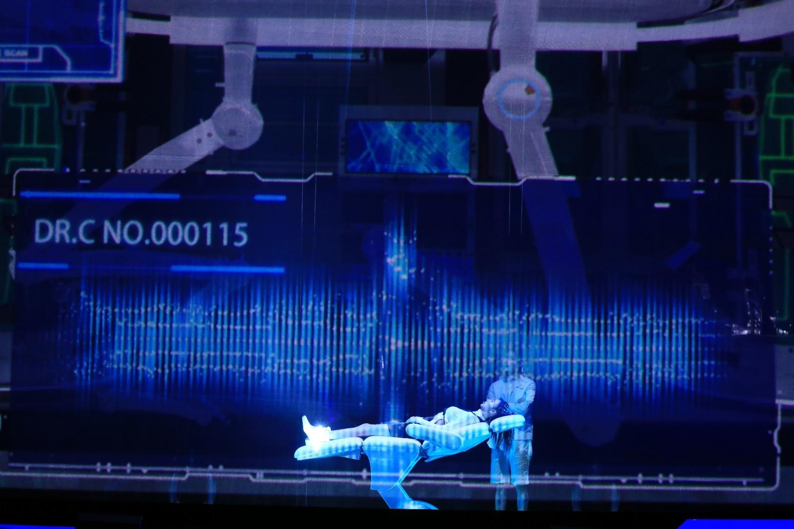 usdt无需实名交易(caibao.it):《F.I.T无数天下》科技跨年盛典引热议 科幻大秀界说跨年新方式 第5张