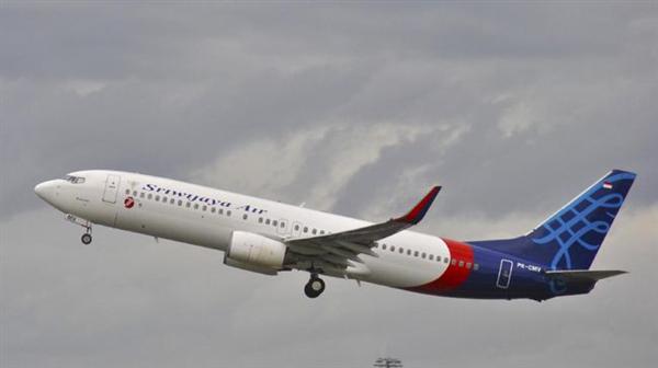 印尼官官方:失事客机在撞击后解体 失联前急速下降1万英尺