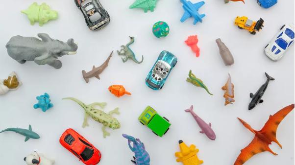 我们如何将石油转变为塑料?