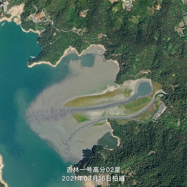 中国民营卫星拍摄日月潭:半世纪最低水位、秒变大草原