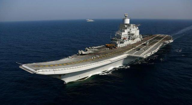 时隔仅一年多,印度海军这艘航母又发生火灾,印军称无人伤亡