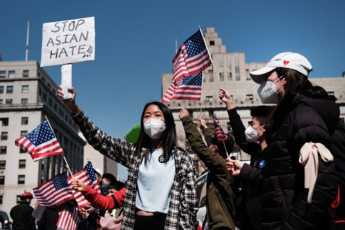 美媒:纽约针对亚裔残忍袭击层出不穷警察不管疑犯屡抓屡放 社会病无药可医