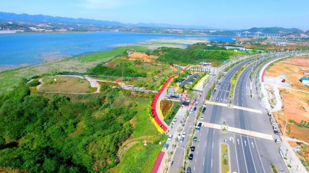 东方园林积极发展环保与循环经济产业,保护长江流域生态环境