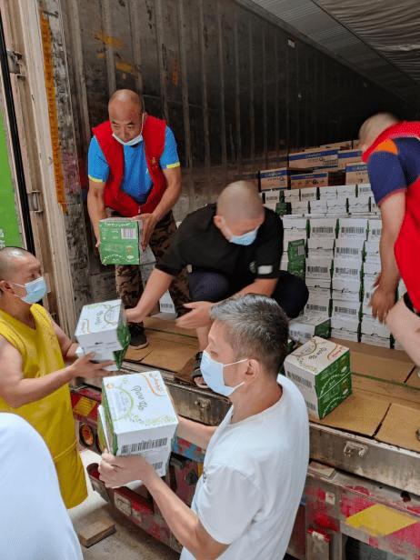 心系灾情,恒天然大中华区捐赠8500余箱物资驰援河南