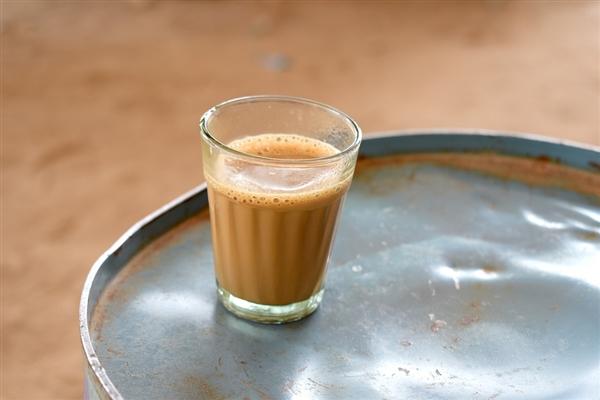 茶颜悦色回应有确诊者到店买奶茶:所涉门店关闭、工作人员已隔离