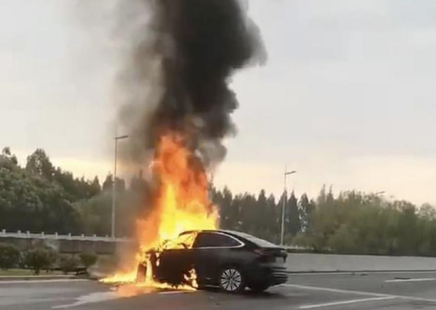 蔚来EC6碰撞起火后车主罹难,官方:电池包基本完好