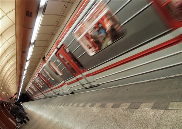 什么是处理地铁乘客纠纷的正确姿势?先看看自己