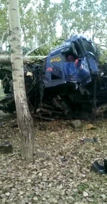 黑龙江一半挂车与拖拉机相撞致15死1伤,公安部派工作组赴事故现场