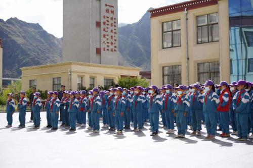 小码王携手昌明教育基金会,书送藏区共建儿童图书馆